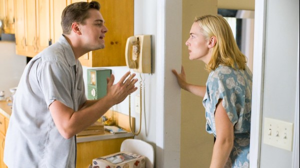 revolutionary-road-review-kate-winslet-leonardo